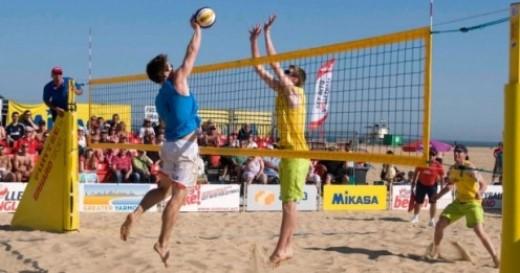 beach volleyball ref